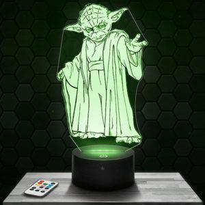 Lampe 3D Star Wars Maitre Yoda avec socle au choix !